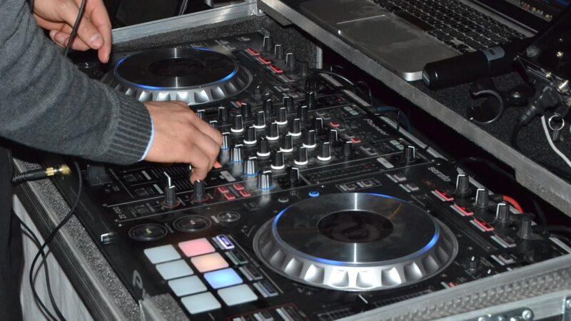 Attrezzatura da DJ e Producer da Disco Più